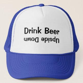 Gorra De Camionero Cerveza de la bebida al revés