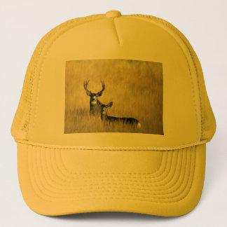 Gorra De Camionero En el ciervo mula del puesto de observación