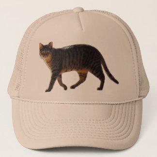 Gorra De Camionero Gato de tigre que camina en el múltiplo coloreado