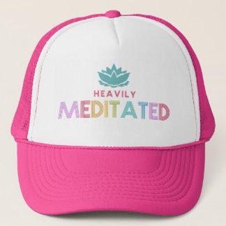 Gorra De Camionero Las mujeres Meditates pesadamente yoga de la flor