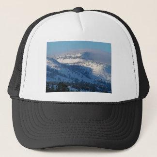 Gorra De Camionero Montañas con nieve que sopla