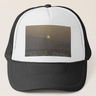 Gorra De Camionero Puesta del sol sobre las montañas de la isla de