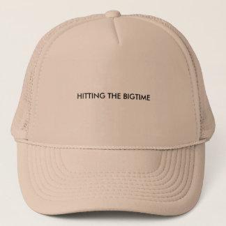 Gorra de los camioneros con palabras en él
