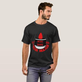 Gorra del tambor mayor con la escuela y la camisa