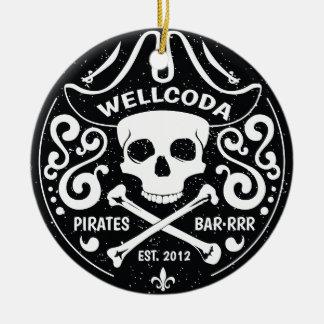 Gorra del traje de la barra del pirata de la ropa adorno navideño redondo de cerámica