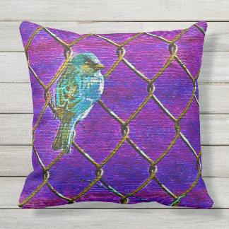GORRIÓN EN una CERCA (púrpura) Cojín Decorativo