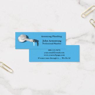Goteo del agua del tubo del fontanero tarjeta de visita mini