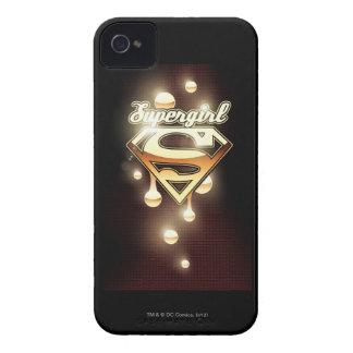Goteos del oro de Supergirl iPhone 4 Carcasa