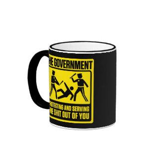 government_protectingtheshitoutofyou_dark-09, g… taza de dos colores