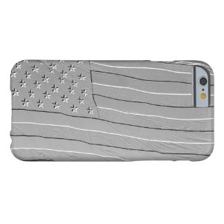 Grabado en relieve mirando la bandera americana funda barely there iPhone 6