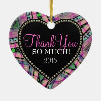 Gracias tanto ornamento rosado abstracto del adorno navideño de cerámica en forma de corazón