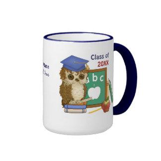 Graduación 2015 del búho del escolar taza a dos colores