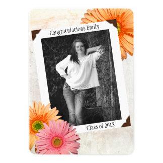 Graduación de la foto de las hijas de la margarita invitación 12,7 x 17,8 cm