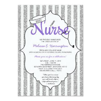 Graduación púrpura RN de la enfermera que fija Invitación 12,7 X 17,8 Cm