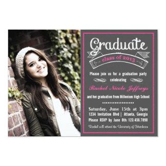 Graduación rosada de moda de la tipografía de la invitación 12,7 x 17,8 cm