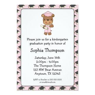 Graduación rosada del chica del oso del diploma invitación 12,7 x 17,8 cm