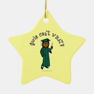Graduado de la oscuridad en verde adorno de cerámica en forma de estrella