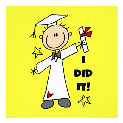 Graduado del muchacho en las tarjetas planas blanc invitacion personalizada