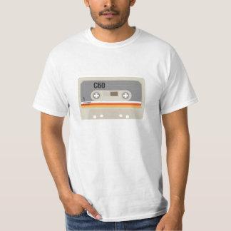 Gráfico intrépido del casete del amante de la camiseta