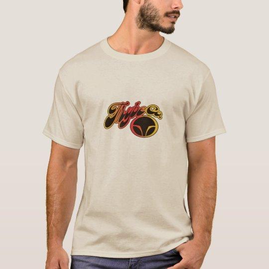 Gráfico retro de la resaca de la persona que camiseta