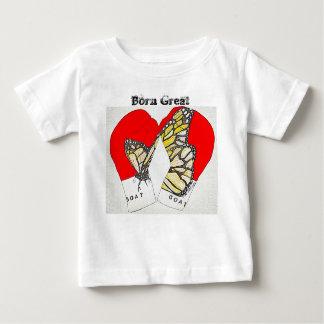 Grande nacido con los guantes de boxeo del monarca camiseta de bebé