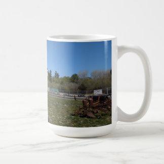 Granero antiguo, Los Alamos, Caifornia Taza Básica Blanca