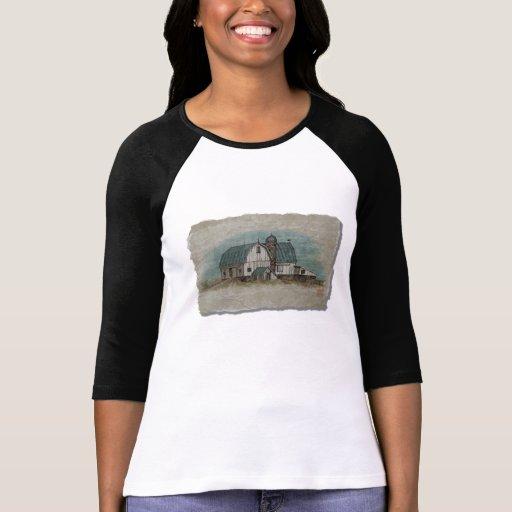 Granero blanco grande de Amish Camisetas