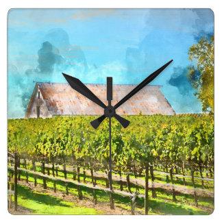 Granero en un viñedo en Napa Valley California Reloj Cuadrado