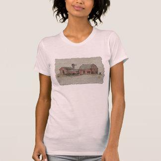 Granero rojo y Windmilla de Amish Camisetas