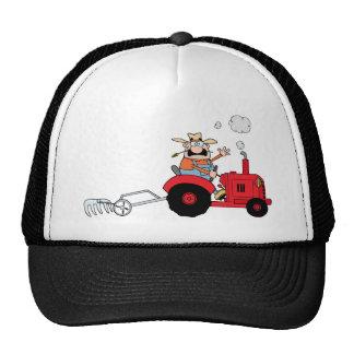 Granjero del dibujo animado que conduce un tractor gorros