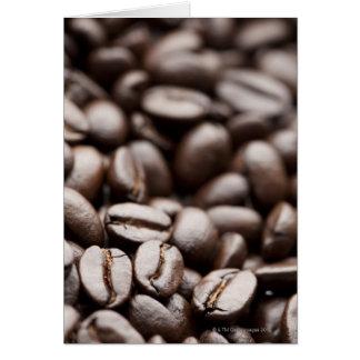 Granos de café orgánicos de la montaña púrpura de  tarjeta de felicitación
