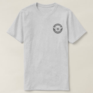 Gris de ceniza de las artesanías en madera de camiseta