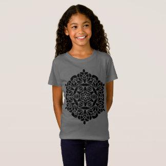 Gris de la camiseta de los diseñadores con arte de