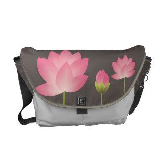 Gris de pizarra moderno de loto blanco del flor ro bolsas de mensajería