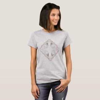 Gris ornamental de la tienda     de la camiseta de