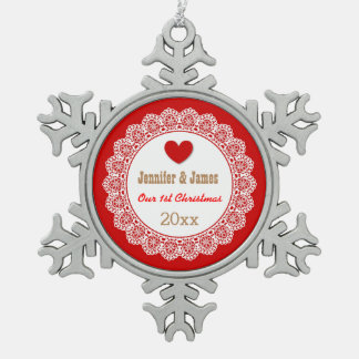 GROUPON nuestro primer navidad rojo y cordón Adorno De Peltre En Forma De Copo De Nieve
