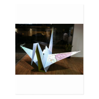 grúa del origami postal