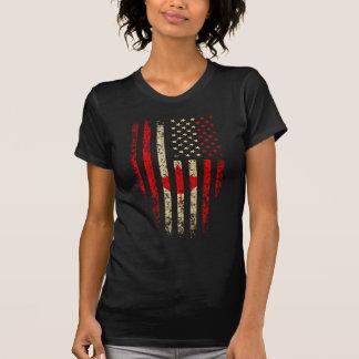 Grunge canadiense de la bandera americana camiseta