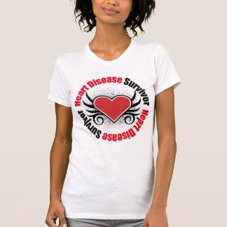 Grunge del superviviente de la enfermedad cardíaca camisetas