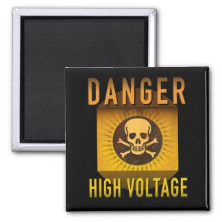 Grunge retro de alto voltaje de la edad atómica imán