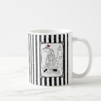 Guardarropa elegante taza básica blanca