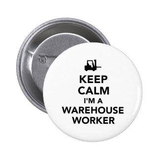 Guarde al trabajador tranquilo del almacén chapa redonda de 5 cm