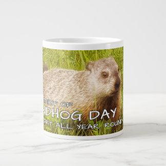 Guarde el alcohol del día de la marmota, taza