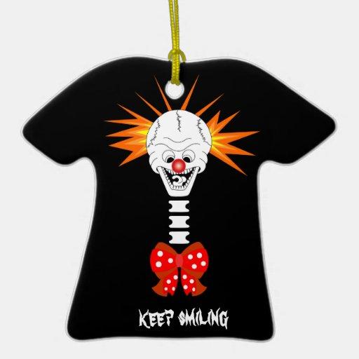 Guarde el ornamento sonriente del cráneo ornamento para reyes magos