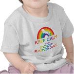 Guarde el unicornio de los arco iris de la calma y camisetas