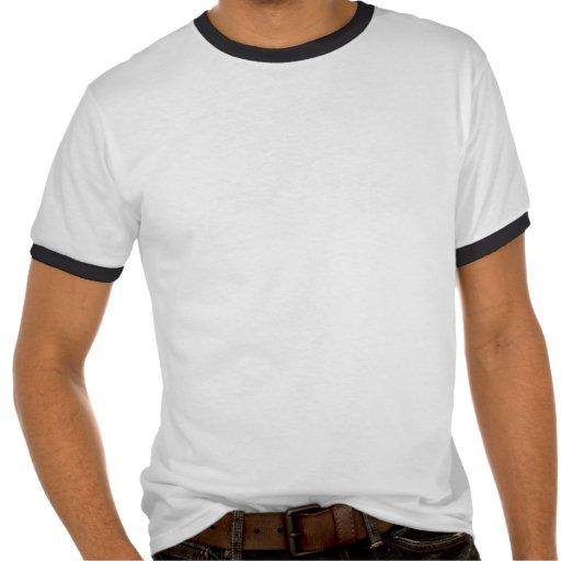 Guarde la calma centrándose en acampadas camisetas