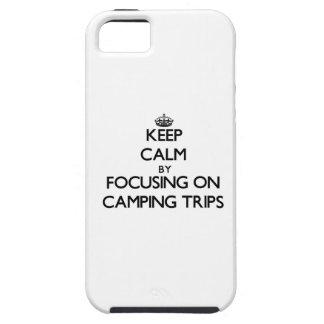 Guarde la calma centrándose en acampadas iPhone 5 carcasa