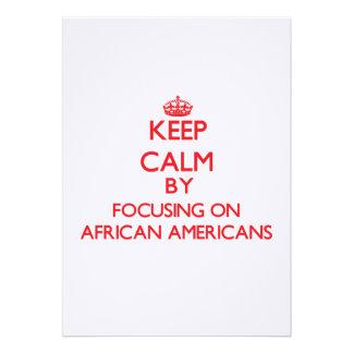 Guarde la calma centrándose en afroamericanos comunicados personalizados