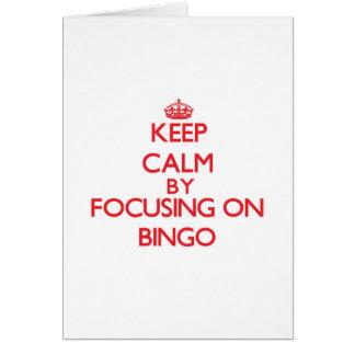 Guarde la calma centrándose en bingo tarjeta de felicitación
