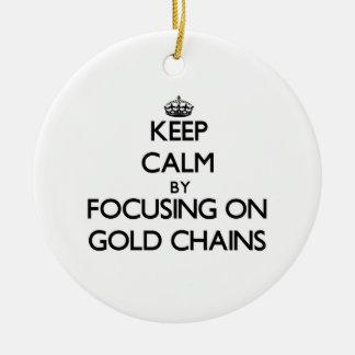 Guarde la calma centrándose en cadenas del oro ornamentos de navidad